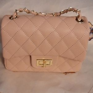 Beautiful Beige Quilted Purse w/Chain Strap